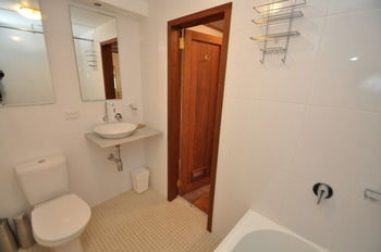 Camperdown 21 Brigs Furnished Apartment - Geraldton Accommodation