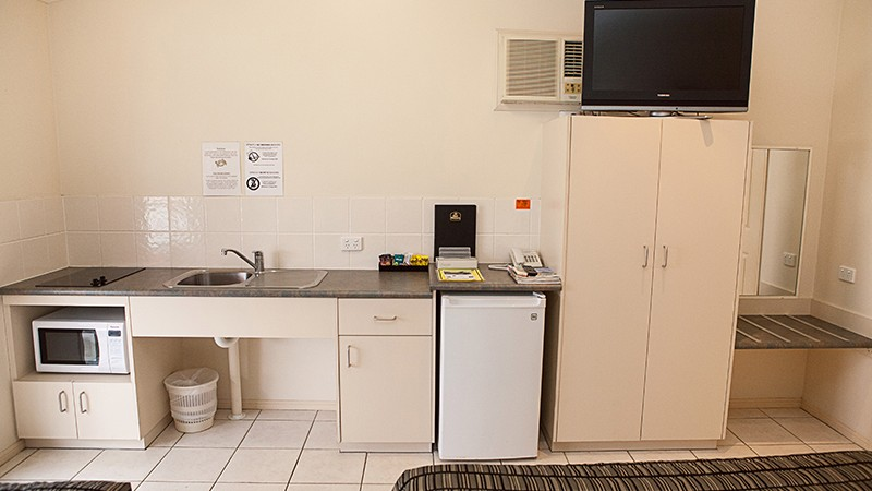 BEST WESTERN Caboolture Central Motor Inn - Geraldton Accommodation
