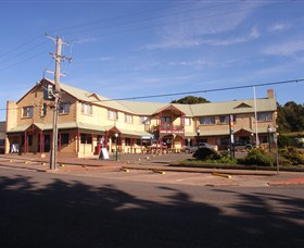Parer's King Island Hotel - Geraldton Accommodation