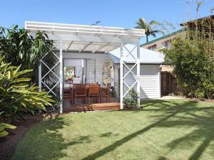 Corporate Beach House - Geraldton Accommodation