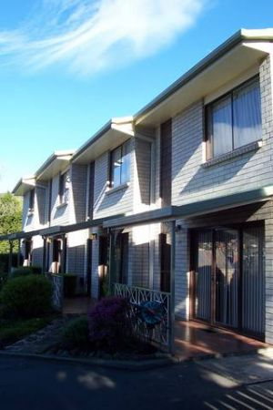 Davey Place Holiday Town Houses - Geraldton Accommodation