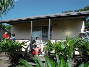 Canton Beach Waterfront Tourist Park - Geraldton Accommodation