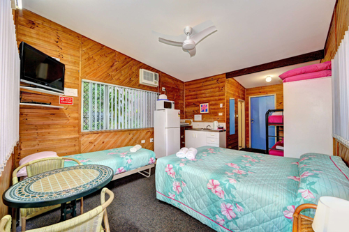 Bargara Gardens Motel and Holiday Villas - Geraldton Accommodation