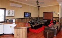Top of the Range Retreat - Geraldton Accommodation