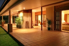 The Summit Rainforest Retreat and Conference Centre - Geraldton Accommodation