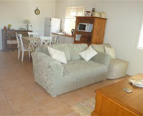 The Friendly Chat Bed and Breakfast and Self-contained Accommodation - Geraldton Accommodation