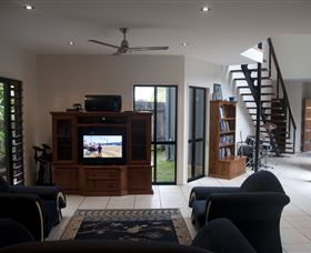 Dolphin Beach House - Geraldton Accommodation