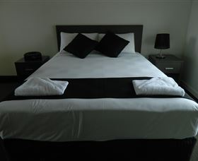 Dooleys Tavern and Motel Capella - Geraldton Accommodation