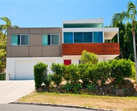 Hilltop Mansion Gold Coast - Geraldton Accommodation