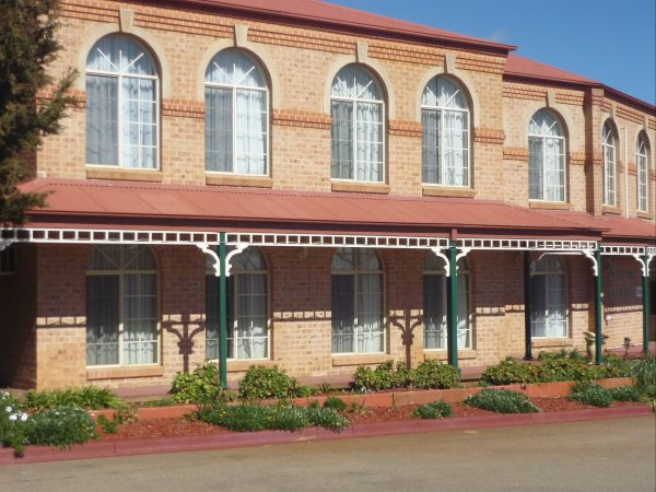 Heritage Motor Inn Goulburn - Geraldton Accommodation