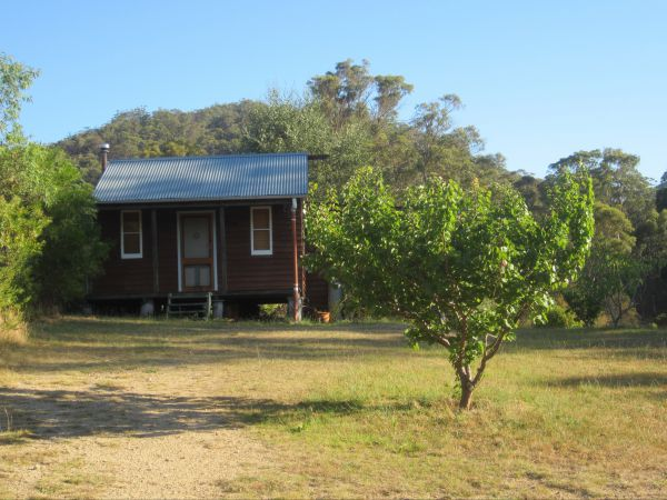 Peach Tree Cabin - Geraldton Accommodation
