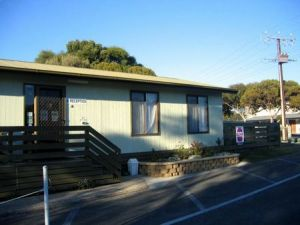 Lake Albert Caravan Park - Geraldton Accommodation