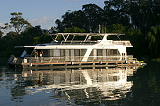Whitewater Houseboat - Geraldton Accommodation
