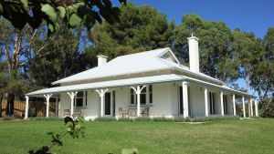 Orchard House - Geraldton Accommodation