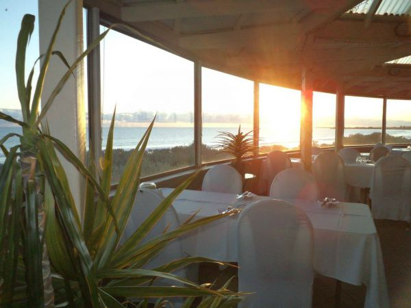 African Reef Resort Hotel - Geraldton Accommodation