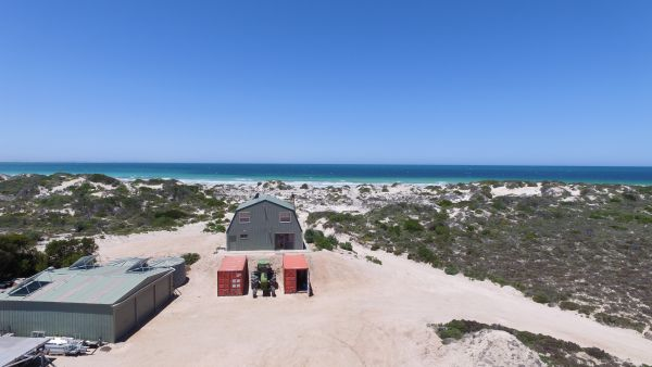 Fowlers Bay Beach House - Geraldton Accommodation