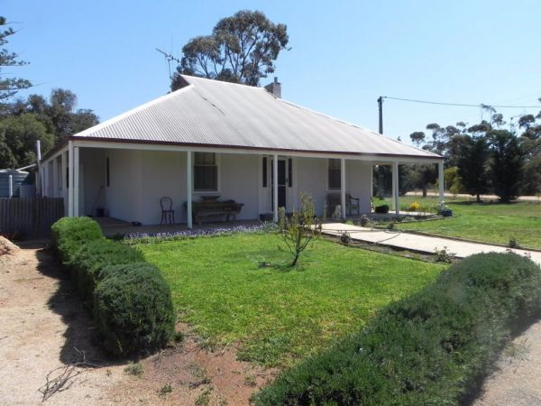 Great Grandpa Henry Retreat - Geraldton Accommodation