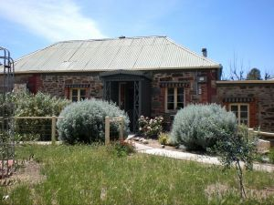 Olive Grove Retreat - Geraldton Accommodation