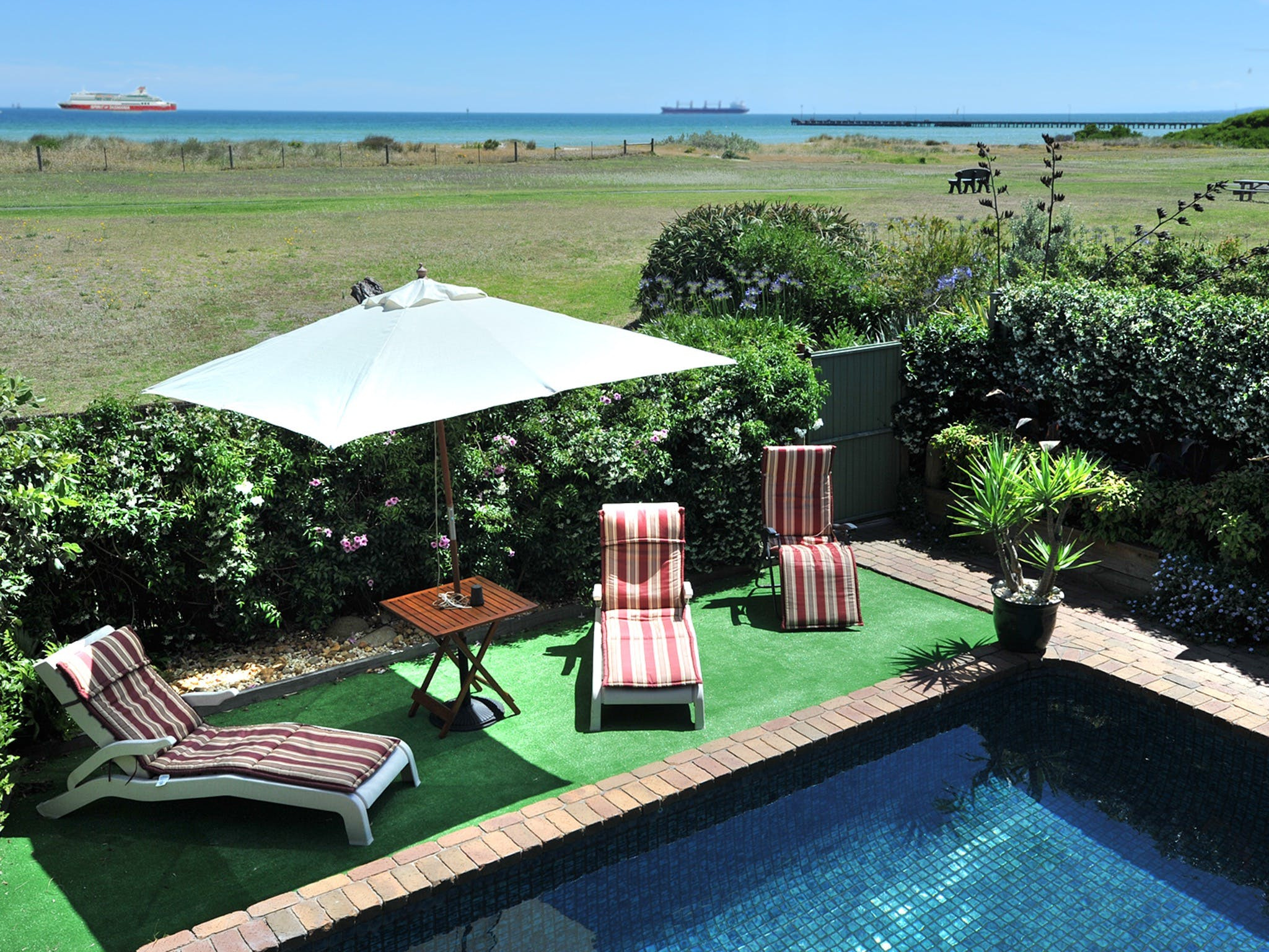 Seacove on the Beach - Geraldton Accommodation
