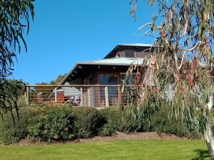 Butler's Bend Holiday Villa - Geraldton Accommodation