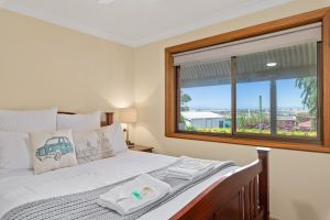 Century21 SouthCoast Reef  Vines Port Noarlunga - Geraldton Accommodation