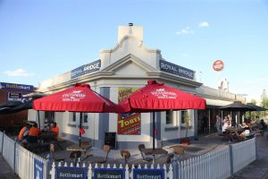 Royal Bridge Hotel Barham - Geraldton Accommodation