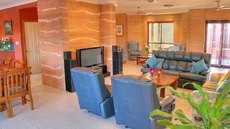 Gladstone Earth and Sea - Geraldton Accommodation