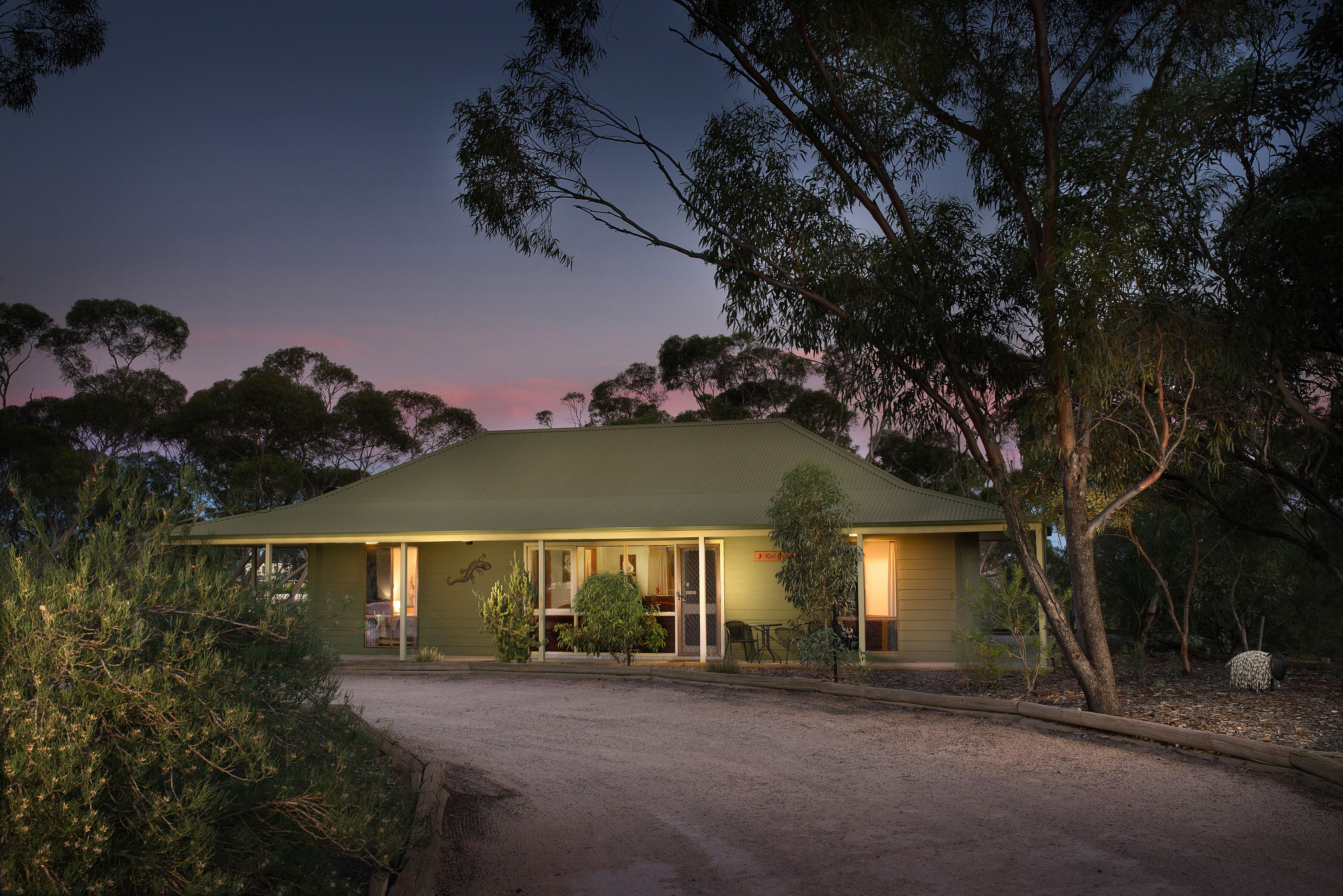 Riverbush Cottages - Geraldton Accommodation