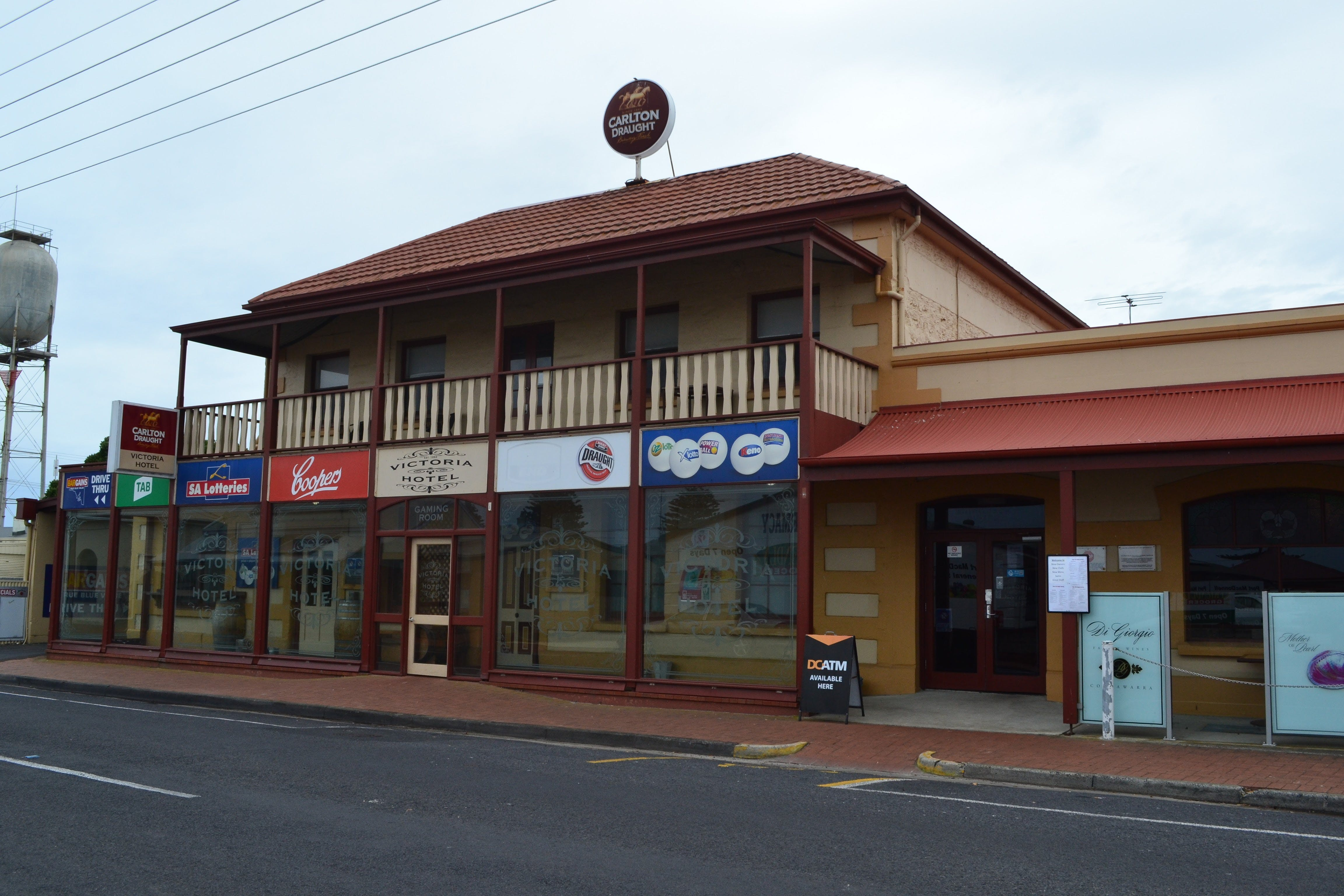 Victoria Hotel Port McDonnell - Geraldton Accommodation