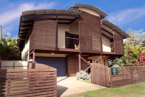 Seaesta Holiday Home - Geraldton Accommodation