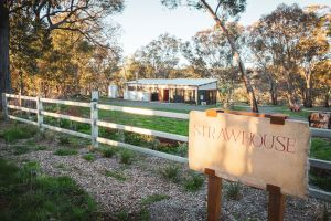 Strawhouse - Geraldton Accommodation