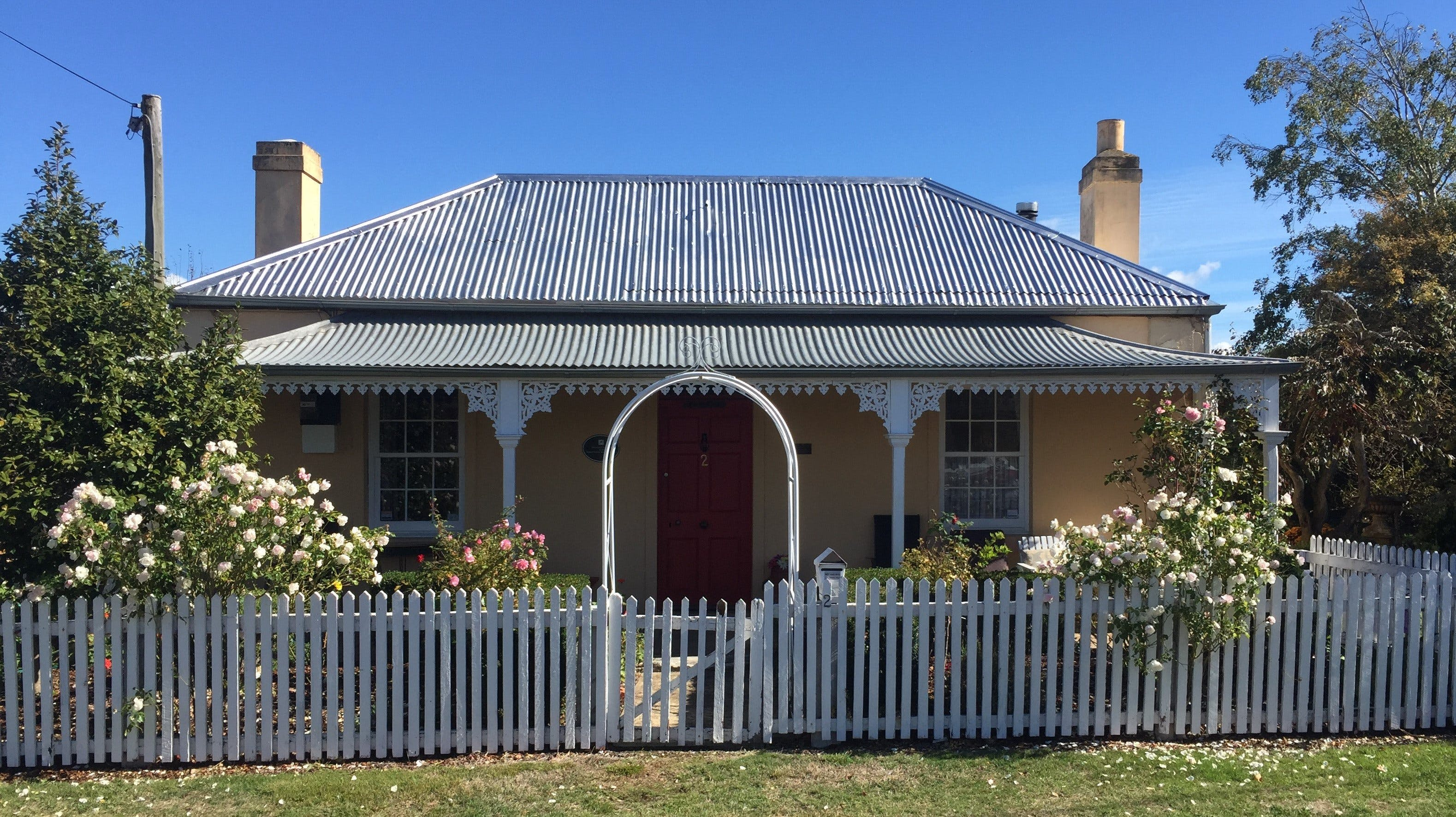 Bellamona - Cosy Georgian Cottage - Geraldton Accommodation