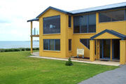 Port Fairy Getaway - Geraldton Accommodation