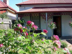 Airleigh - Rose Cottage - Geraldton Accommodation