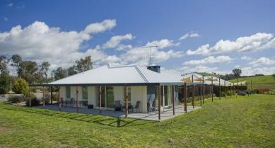 Country Guesthouse Schonegg - Geraldton Accommodation