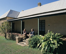 Cliff Grange - Geraldton Accommodation