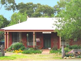Stacey Studio Gallery  Almond Grove BB - Geraldton Accommodation