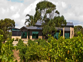Delacolline Estate - Geraldton Accommodation