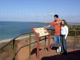 Hummock Hill Lookout - Geraldton Accommodation