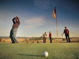 Ratho Farm  Golf - Geraldton Accommodation