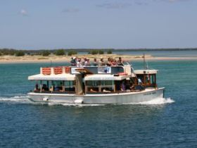 Caloundra Cruise - Geraldton Accommodation