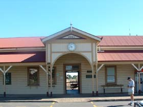 Maryborough Railway Station - Geraldton Accommodation