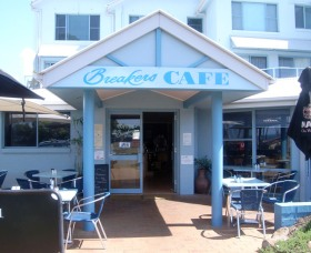 Breakers Cafe and Restaurant - Geraldton Accommodation