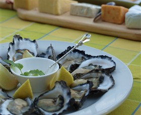 Oyster Shed on Wray Street - Geraldton Accommodation