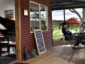 Blesings Garden Wines - Geraldton Accommodation