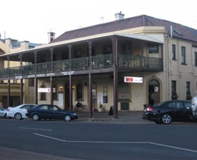 The Family Hotel - Geraldton Accommodation
