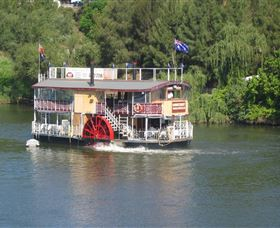 Hawkesbury Paddlewheeler - Geraldton Accommodation