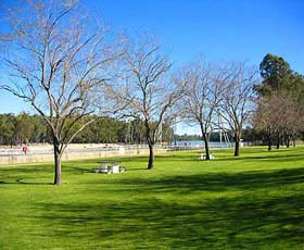 Lock 10 and Weir - Geraldton Accommodation