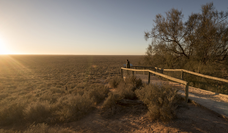 Mungo lookout