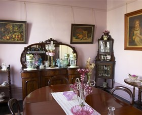 Jerilderie Historic Residence - Historic Home and Gardens - Geraldton Accommodation